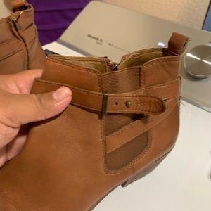 Sam Edelman Shoes - Sam Edelman size 9.5 brown booties super cute